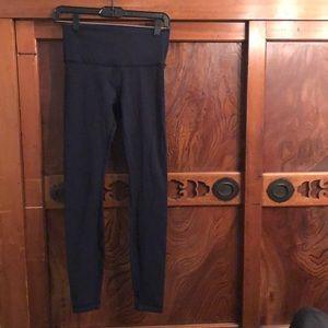 Lululemon navy hi waist Wunder under legging sz 6